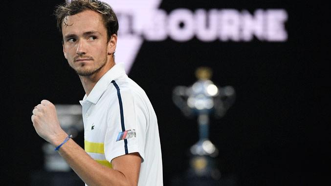 Australijan open: Medvedev pobedio Cicipasa (3:0), za titulu u nedelju sa Đokovićem!